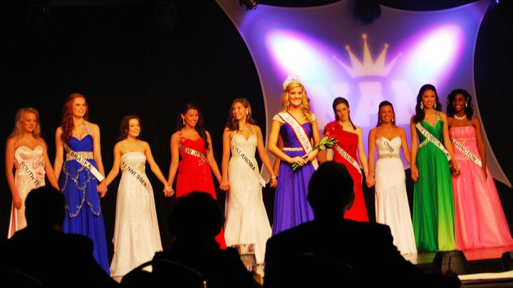 The top 10 at the National American Miss Jr. Teen National Pageant.